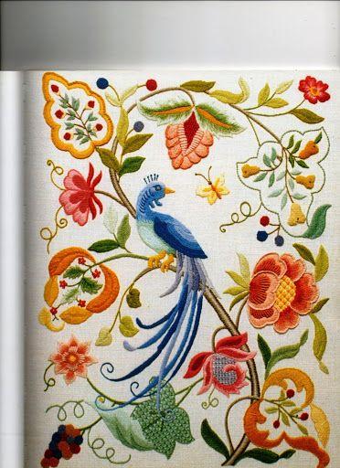 BORDADO - WENDOLYN PEREZ RODRIGUEZ - Beautiful Crewel work.