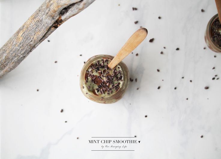 Mint Chip Smoothie  #vegan #smoothie #mint #recipe