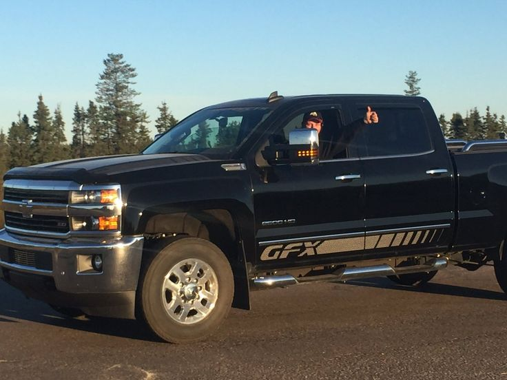 Twitter Moments: Convoy of evacuees makes it through Fort McMurray