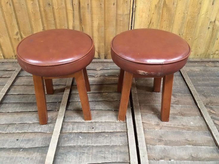 PAIR OF SHORT BAR STOOLS / LIGHT BROWN / PUB / HOME  / WOOD / CLASSIC #Unbranded