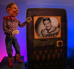 Howdy Doody    1948 - 1960 OMG---I wanted boots like Howdy's SO BAD!!!! Actually, I still do!
