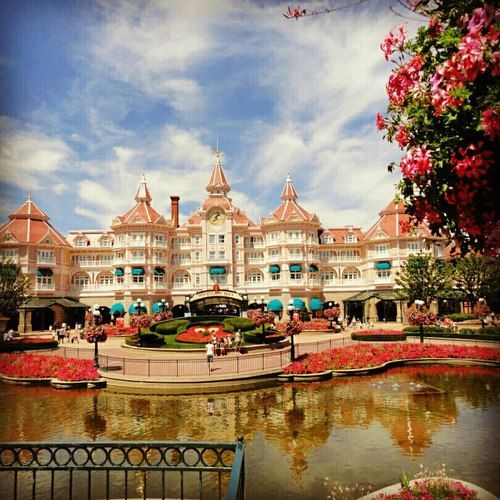 25 Best Ideas About Hotels Near Disneyland Paris On