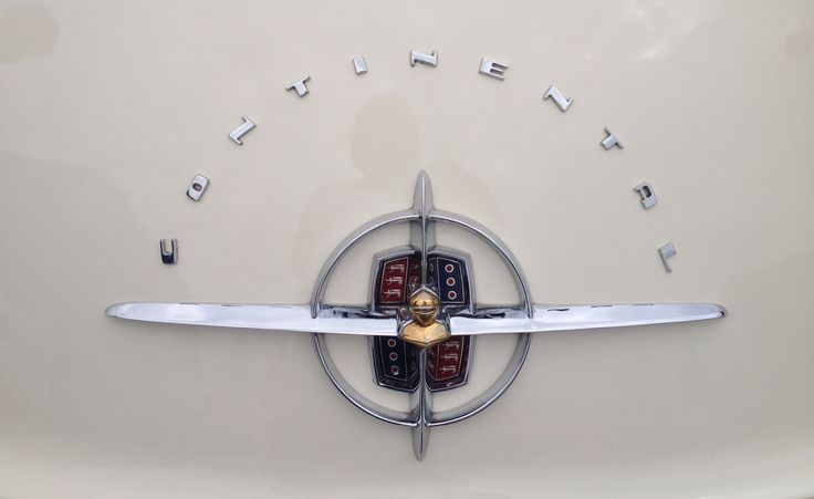 Ford Lincoln Continental logo