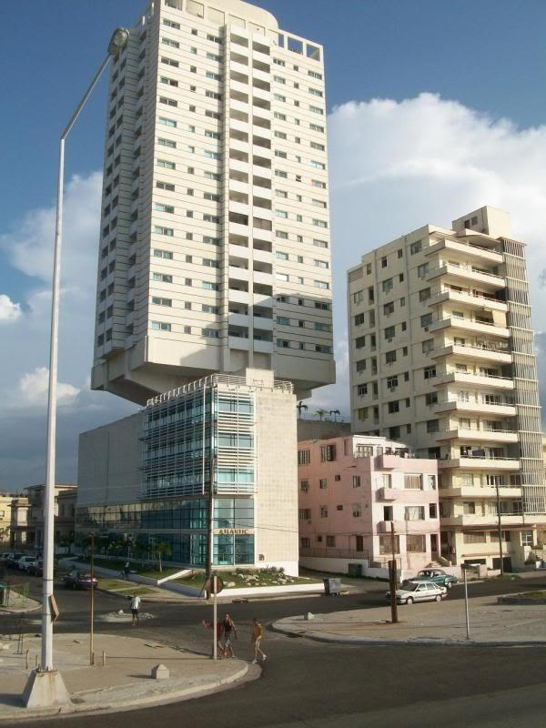 Edificio que teme los Huracanes en La Habana