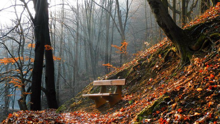 Lillafüred. Hungary. Attis Photo A Bükk-hegység gyönyörű dombjai között fekvő Lillafüred.