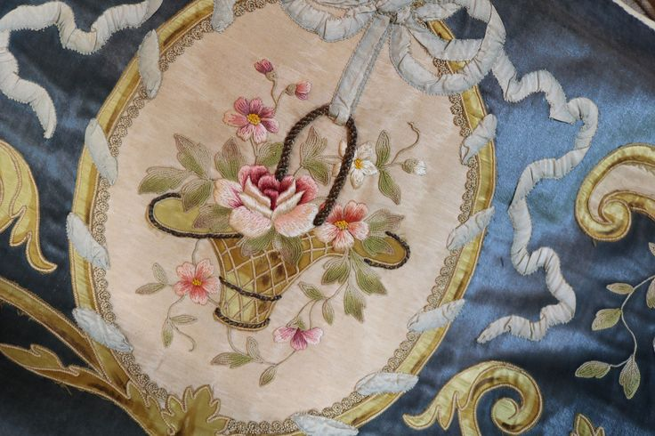 Антикварный французский ламбрекен бархатный балдахин шелковые вышитые цветы ленты работы | eBay