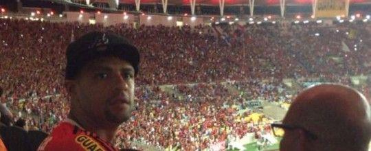 """Felipe Melo vai ao Maracanã, torce<br />pelo Flamengo e diz que """"já sabia"""""""