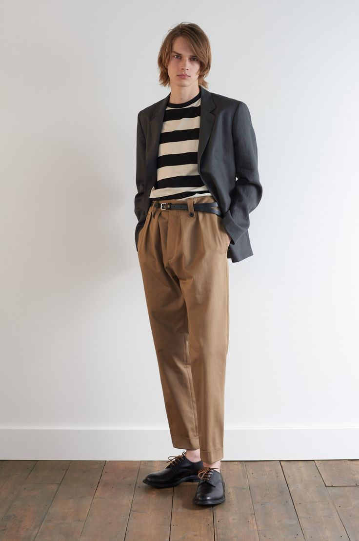 SPRING SUMMER 2018 – CHARCOAL DENSE HERRINGBONE LINEN SOFT BLAZER, BLACK / ECRU BOLD STRIPE JERSEY T SHIRT, WHISKEY HEAVY COTTON DRILL MILITARY CHINO, BLACK SADDLE LEATHER ROLLER BUCKLE BELT MHL, BLACK BOOKBINDER LEATHER SOFT DERBY