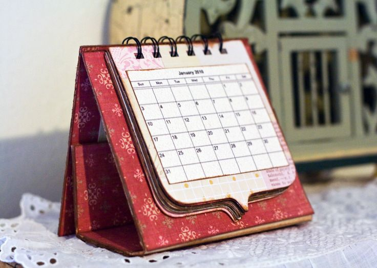 Another cute calendar. Like the custom shape for the pages. Fun to brand and send to clients for the new year.