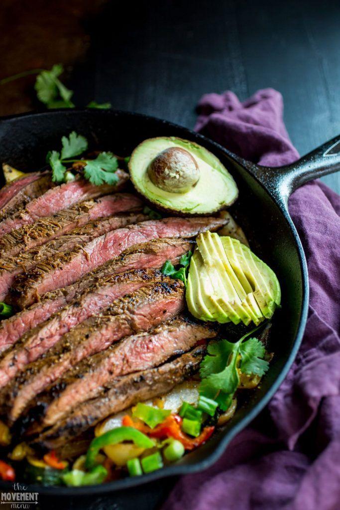 Whole30 easy best steak fajitas. BEST STEAK FAJITAS RECIPE. Whole30 easy dinner recipe. One pan steak fajitas. Fajitas in 30 minutes or less. Paleo steak fajitas recipe here. Healthy, gluten free, dairy free, paleo and whole30 steak fajitas recipe.