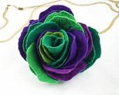 Felted Brooch felt Rose nuno nunofelt silk flower folk por filcant