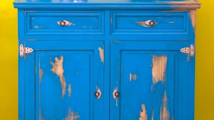 Aparador azul de aspecto envejecido - Detalle