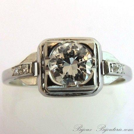 Bague de fiançailles ancienne monture en platine sertie de diamants  http://www.bijoux-bijouterie.com/bagues-diamants/1967-bague-de-fiancailles-ancienne-monture-en-platine-sertie-de-diamants-1410.html #bague #fiançailles