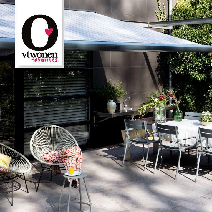Buitenkamer: met een zonnescherm maak je van je terras een oase van rust door dezelfde sfeer van binnen door te zetten.