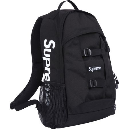 just a lovely black Supreme backpack I NEED THIS