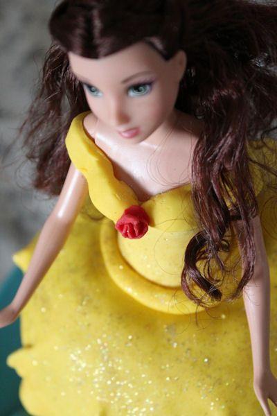 Sous la robe de Belle il y a… (Gâteau princesse, l'envers du décor)   Maman fait la dinde