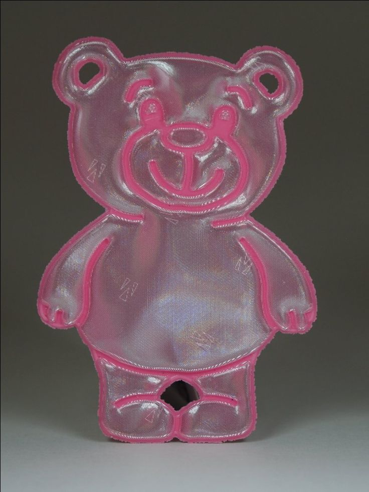 Adorable pink soft teddy bear reflector (also available in blue). Comes with a pink ball chain.  Attach to bags, jackets or any other garments or equipment.   Approximately 85mm high and 40mm wide.  For maximum visibility place on the front, side or back of your body. Allow your reflector to move freely at knee length to catch the headlights of moving vehicles.
