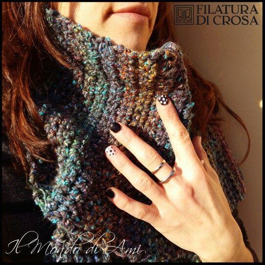 """Sciarpa realizzata con filato misto """"Zara"""" e """"fancy"""" Filatura di Crosa #sciarpa #scarf #crochet #handmade #fattoamano #uncinetto #filato #yarn #filaturadicrosa. unghie stellari @nailsinfe"""