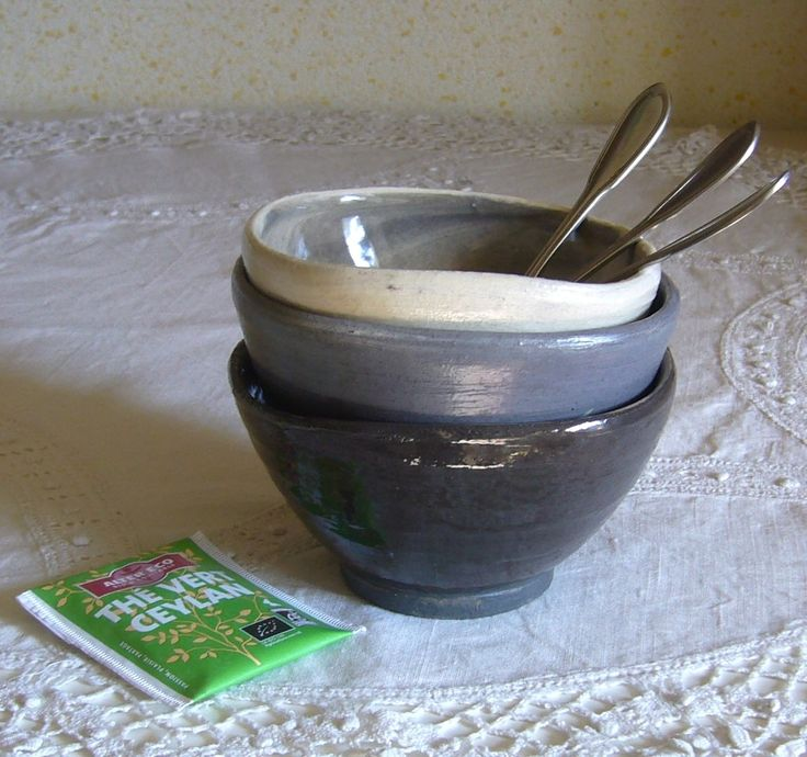 Ensemble de 3 bols en grès tournés carrés noir gris blanc, fabrication française en Vendée : Vaisselle, verres par poterie-margo