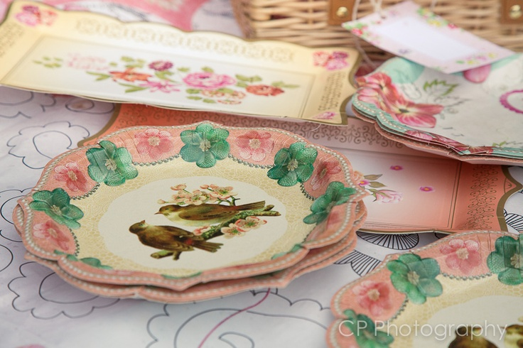 Vintage disposable platters and plates, order online at the Fuschia boutique at www.fuschiadesigns.co.uk.