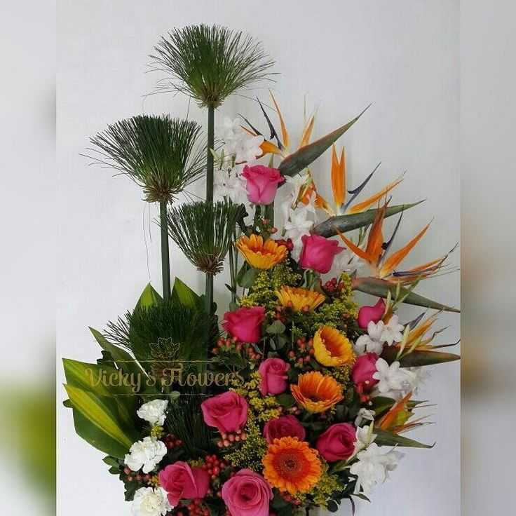 """46 Likes, 2 Comments - Vickys Flowers (@vickysflowers) on Instagram: """"Para alegrarle la vida a cualquiera... FELIZ MIERCOLES DE BENDICIONES FOLLOWERS!!!…"""""""