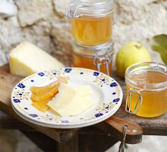 This makes two preserves in one, as pulp left over from making the jelly is used to make quince paste, also known as 'membrillo' in Spain
