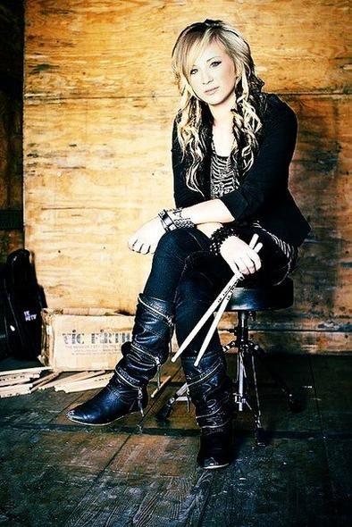 Jen Ledger. I LOVE HERRR!