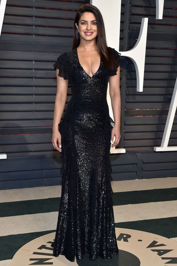 Priyanka Chopra in Michael Kors at Vanity Fair 2017, Приянка Чопра в Michael Kors Vanity Fair 2017