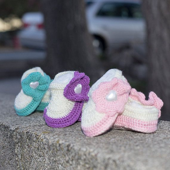 girl autumn shoes girl shoes baby girl shoes girl booties flower shoes spring girl shoes crochet girl shoes baby shower photo prop crochet baby