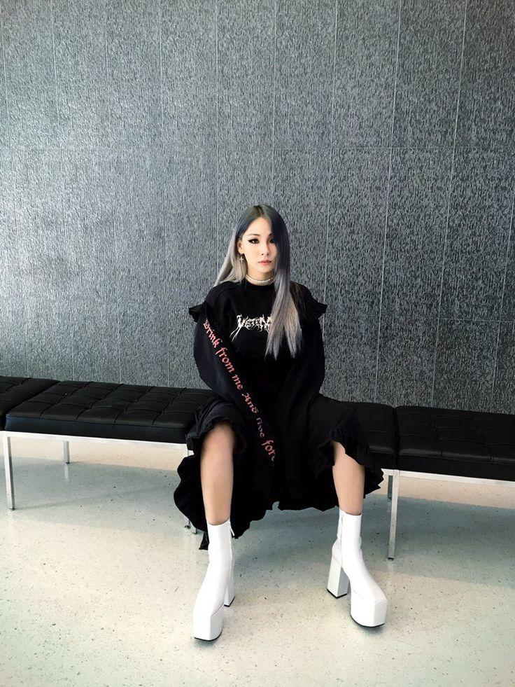 CL twitter update: +off to LA+