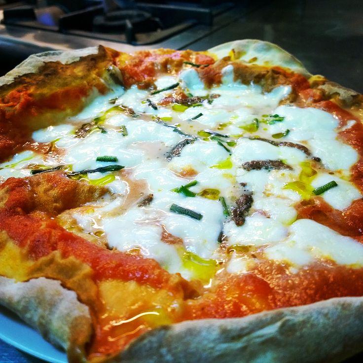 Today's staff lunch!! Homemade pizza !! Il pranzo di oggi dello staff!! Pizza!!