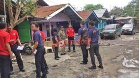Polisi PP Layangkan Teguran Ketiga Beberapa Wisma Mulai Lakukan Pembongkaran - http://denpostnews.com/2017/12/13/polisi-pp-layangkan-teguran-ketiga-beberapa-wisma-mulai-lakukan-pembongkaran/