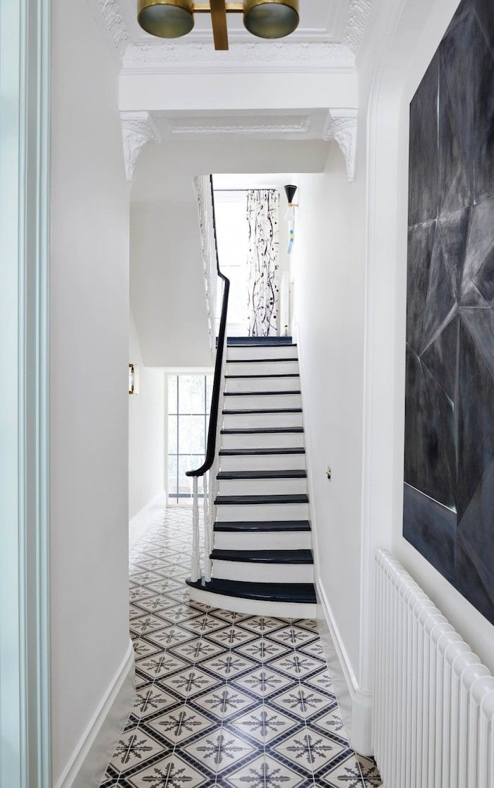 black and white tiles and stairs | suzy hoodlesshttp://dustjacket-attic.com/2016/02/interiors-notting-hill-townhouse.html/