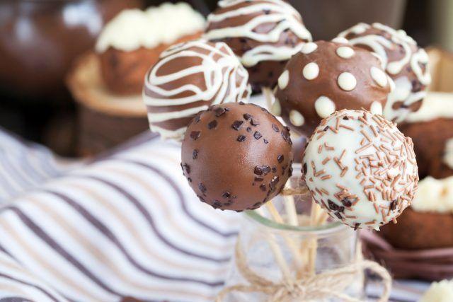 ¡¡Cake Pops con Brownie!!     #CakePopsConBrownie #CakePops #RecetaCakePops #Postres #PostresFaciles #Reposteria