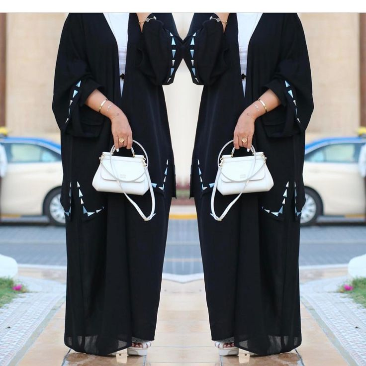 • . @j_binjamhoor . . . . . . #عبايات#عباه#العبايه#ديزاين#فن#الامارات#فساتين#تصميم#خياطه#مصممه#كوتور#ابوظبي#مشاهير#العرب#قطر#بحرين#رسم#موضه. #abaya#abaya_designer#design#fashion#fanc#black#show#coture#uae#dubai#deigner#abayatrends