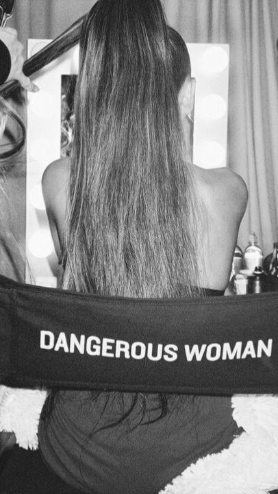Ariana Grande — partylocks: Ariana Grande Lockscreens please...