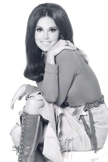 Marlo Thomas-That Girl!   Seriously, this outfit could be in 2012!