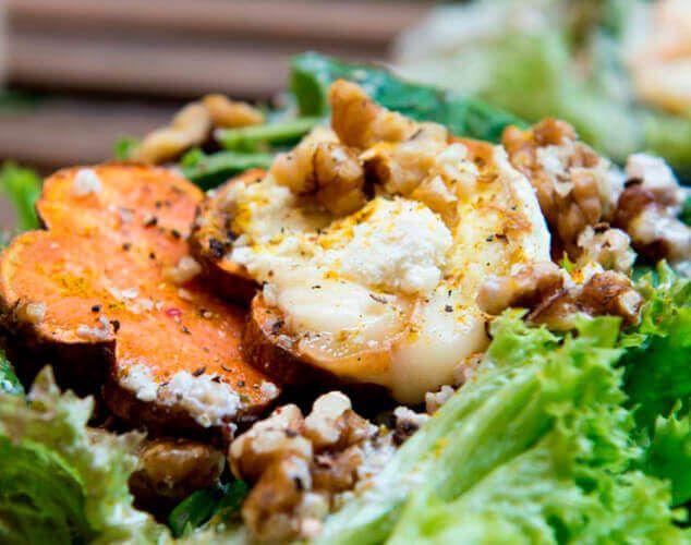 Ensalada de boniato y gorgonzola