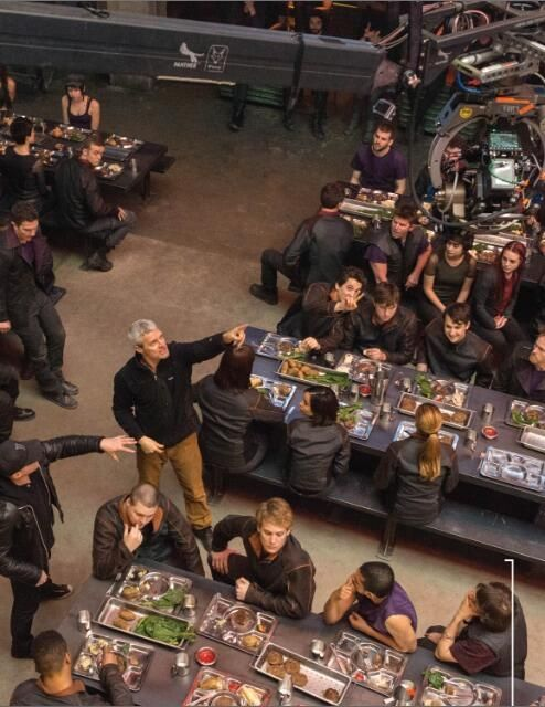 #DIVERGENT  {look closely at Miles}