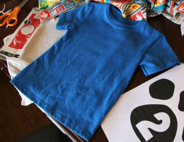 This DIY Paw Patrol shirt is easy to make with a few materials.  It's perfect for a birthday boy or girl who loves the Paw Patrol team!