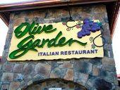 Olive Garden Copycat Recipes: Stuffed Mezzaluna Pastas - mezzaluna ravioli with mushroom alfredo