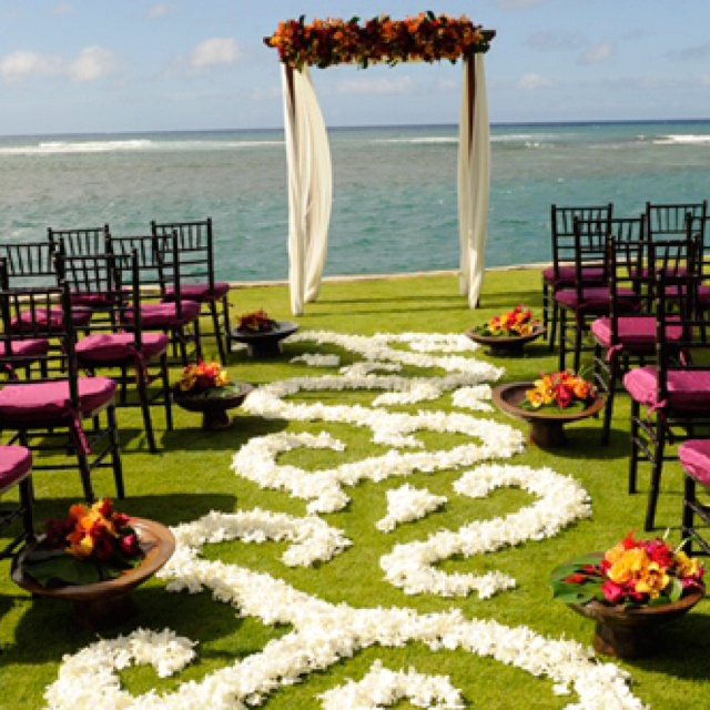Hawaiian Themed Wedding Ideas: Enchanted Wedding Decor