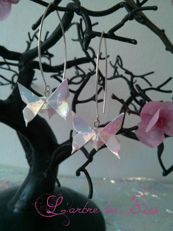 boucle d'oreille papillon origami irisé : Boucles d'oreille par larbredesfees