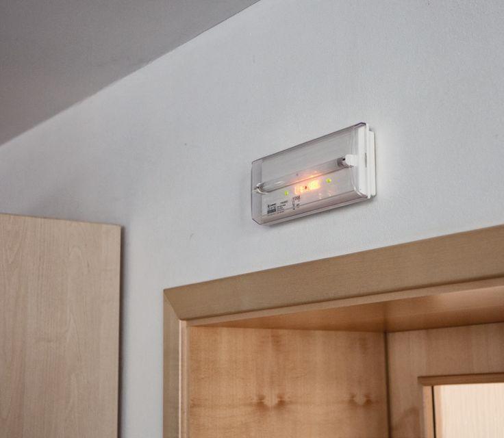 Nouzové osvětlení PANLUX FDM-6051-C (DIANA) Svítidlo s vlastním zdrojem napájení, ideální pro dobrou orientaci ve vnitřních prostorách po výpadku el. energie  #panlux #svítidlo, #osvětlení, #světlo, #light #classic #klasické #interier #interior