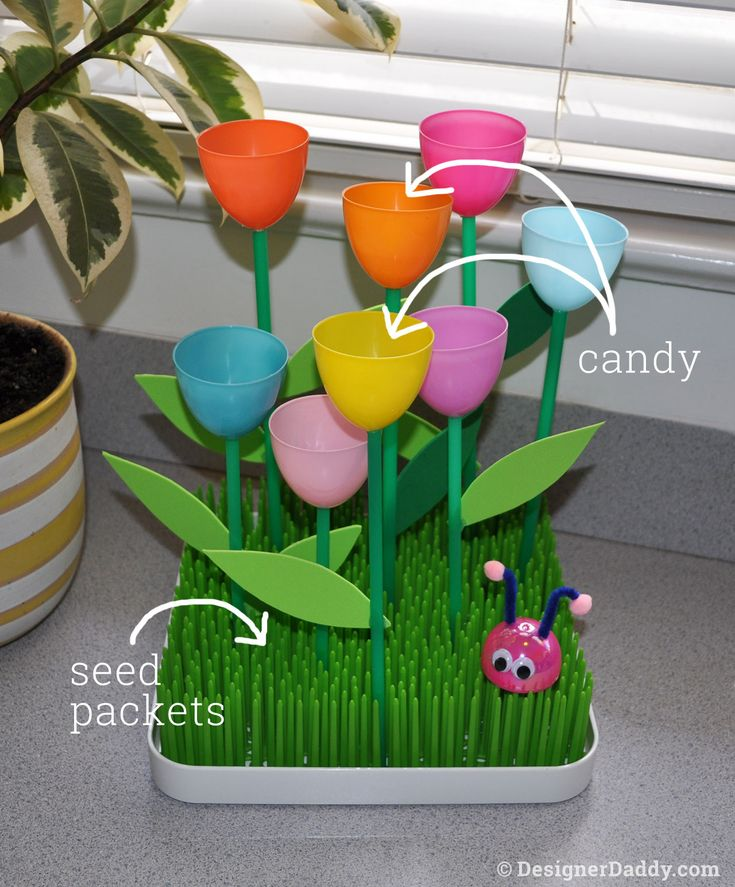 Handmade Craft Ideas For Kids Part - 21: Motheru0027s Day Crafts / Gift Ideas: Super Easy Tulip Garden Made From Plastic  Easter Eggs And Straws! Also Great For Spring, Summer, Anytime!