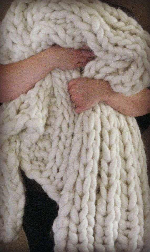 Giant Knit Blanket : Super Luxurious Thick and Bulky Wool Knit Blanke?
