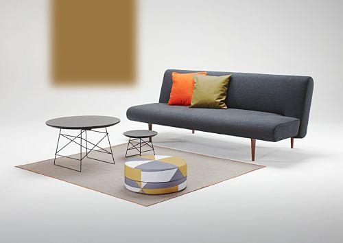 Slaapbank Unfurl. Een ontwerp van Per Weiss ( Innovation ) van eind 2011.  Eigenlijk een variant op de Puzzle.