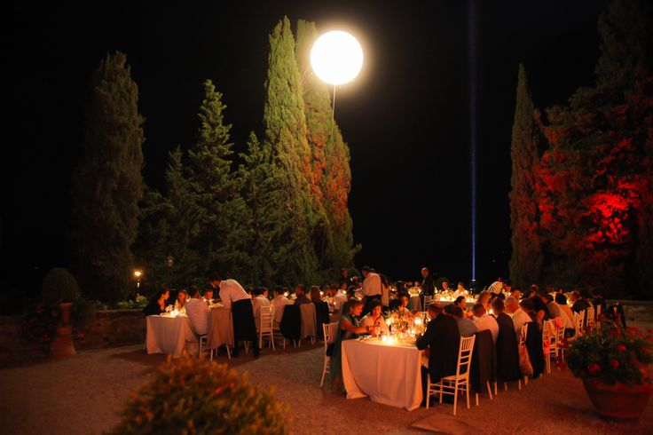 Like a Moon, wedding light at Castello Vicchiomaggio, Greve in Chianti - Tuscany. wedding in Italy