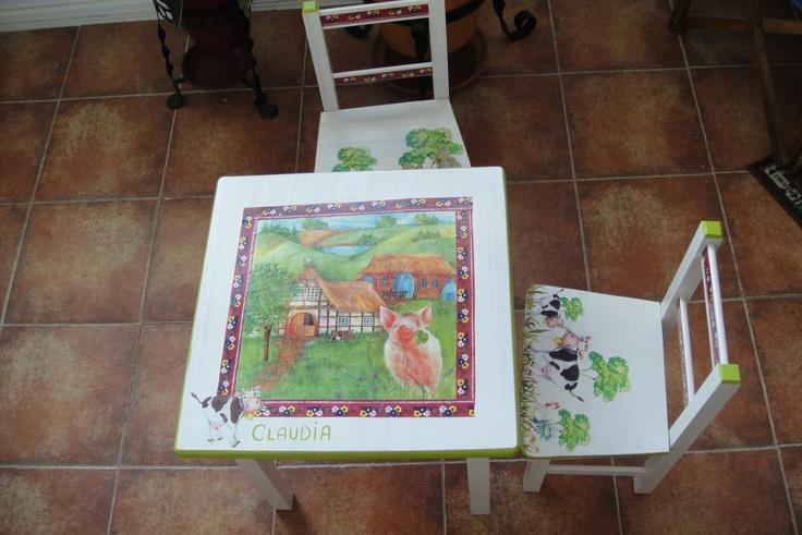 Decoración de mesas y sillas infantiles