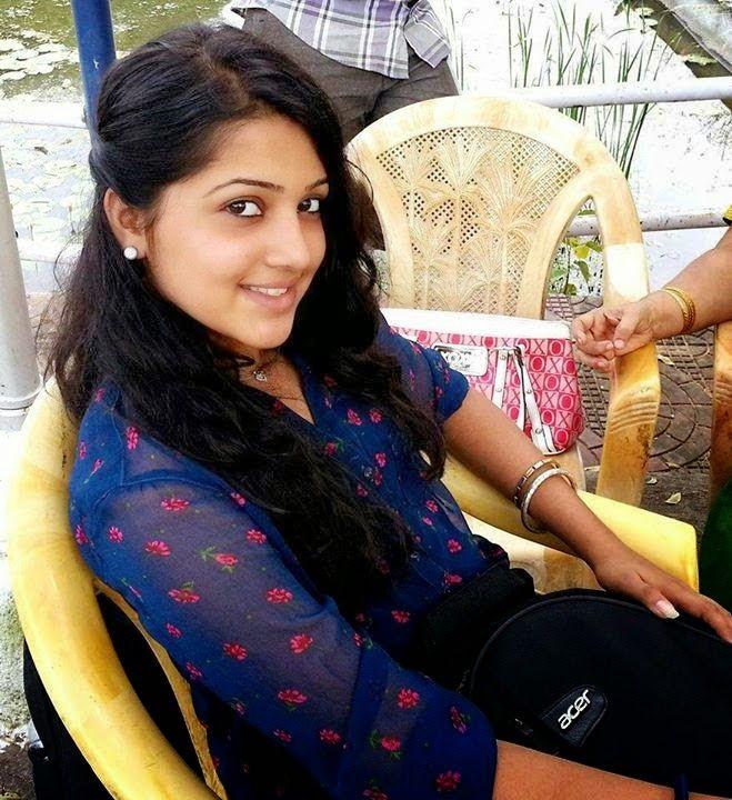 Beautiful Desi Pakistani Hot Girls Bold Sexy Photos